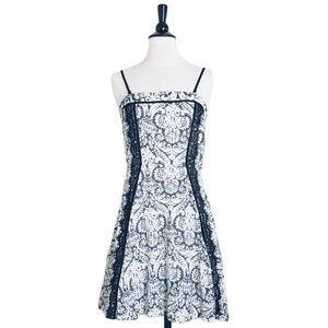 MYSTREE Blue & White Print Flare Dress, M